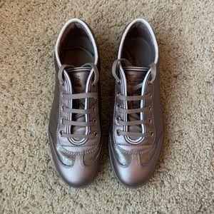 Metallic lavender Gucci sneakers